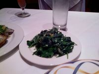 Sauted spinach with garlic